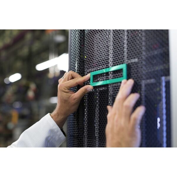 HPE StoreFabric SN8000B 16Gb 32 - port SFP Integrated Fibre Channel Blade